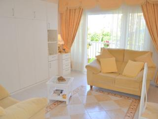 Los Horizontes,Superb Studio, Sleeps 2, Beach 350m