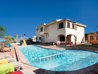 Beautiful villa with garden, a large private pool, BBQ and gorgeous views