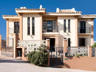 Large 8 bedroom villa with A/C, private garden, large BBQ and pool