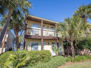 Destiny Villas! Beautiful Views!! Lakefront, steps to beach, community pool!!