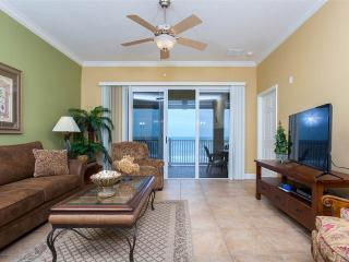 Cinnamon Beach 753 Resort, 5th Floor Ocean Front, HDTV, Beautiful Decor, Palm Coast