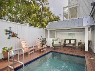 ~ POTTERS COTTAGE ~ Perfect Key West Home, Private Pool, 1 block to Duval St