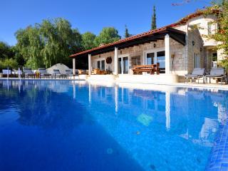 Villa Libelle, private sun terrace and sea access
