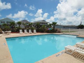 3Br/2Ba Minutes From Beach,Community Pool, Port Aransas