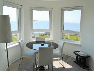 Seaview, Troon. 1 bedroom seafront apartment
