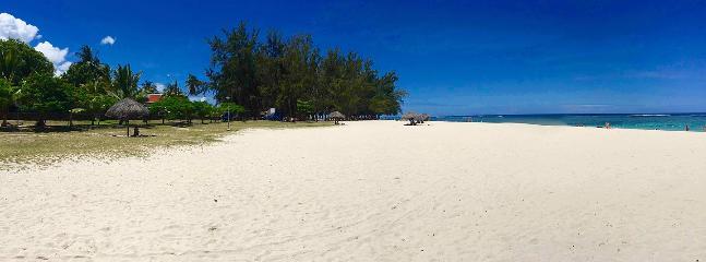 La plage à 50 mètres (moins d'une minute à pied)