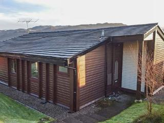 ROISIN DHU, great views, easy access to Skye, Lochcarron, Ref 932285
