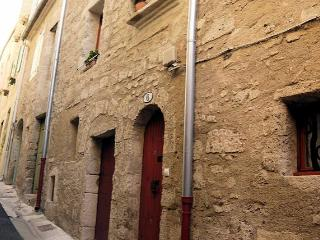 Pezenas, French holiday gite in historic centre, sleeps 4