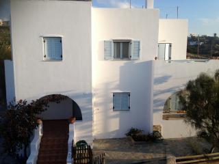 Naxos House, Glinado