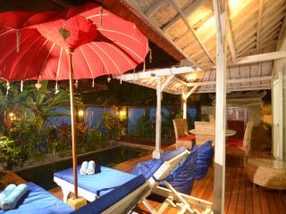 DISCOUNT LEGIAN BEACHSIDE PRIVATE POOL VILLA, Legian