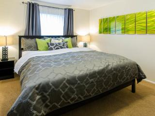 Unmatched Value! Quality Bedding, WiFi, Netflix, Near Downtown and Ski Resorts, Salt Lake City