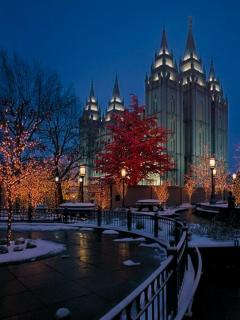 Whether you're a Mormon or not, you shouldn't miss a visit toTemple Square, just 6 miles from the house.
