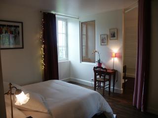 La Bonneterie. Chambre Romantique, Montaigut-le-Blanc