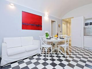 Rome Vacation Rental near Colosseum Roman Forum