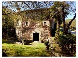 CASA RURAL CON PISCINA PRIVADA CERCA DE GIRONA, Girona