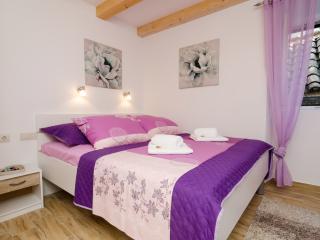 Lavender Garden Apartments - Studio Apartment with City View (First Floor) - APT 4, Dubrovnik