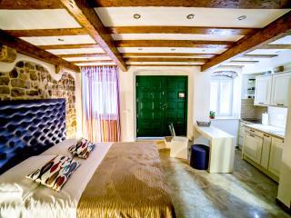 Genius Loci studio apartment, Diocletian Palace