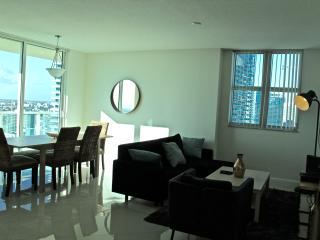 Sensational 3 Bedroom Apartment with Amazing View OB3BR2