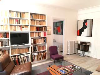 Exclusive Saint Germain 2 bedroom apart., 5 sleeps, Paris