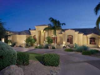 Resort Style Home 10+ Guests, Paradise Valley