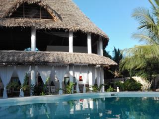 CHRIS HOUSE, Watamu