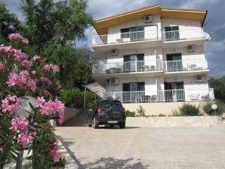 TH01897 Apartments Adriatic / Two bedroom A8, Gradac