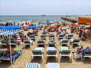 CHUSS-Bonito apto a 60 mts de la playa
