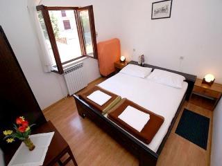 TH02406 Apartments Olga / Three bedrooms A1, Malinska