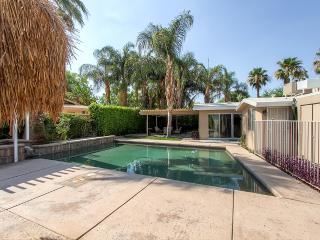 New Listing! Serene Palm Desert Studio w/Wifi, Pool & Gorgeous Views - Amazing Location! Close to El Paseo, World-Class Golf Courses & Restaurants!