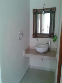 Lavabo de baño en recámara principal