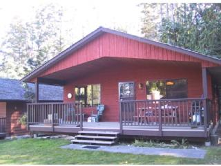 Vancouver Island Cozy Cottage, Qualicum Beach