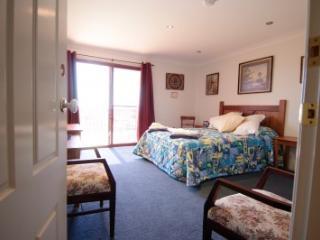 Queen bedroom with shower ensuite