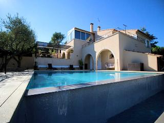 Nîmes Gard, Villa 7p. air-condition, private pool, 3 km from town center
