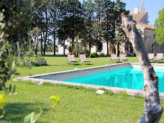 Tarascon Bouches-du-Rhône, magnificent luxury property 20p. private pool, air-conditioned