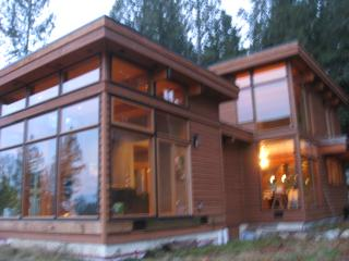 Halcyon Hill Luxury Vacation Home in Gibsons, BC