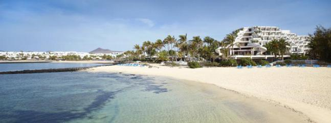 The quieter Salinas Hotel beach next to Las Cucharas is 5 mins walk away