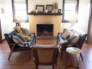 Midcentury Modern meets Traditional, Knoxville