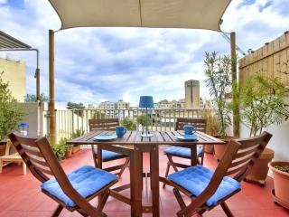 ST. JULIAN'S GREAT APT. 3 BEDROOMS, LARGE TERRACE