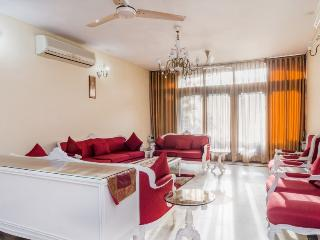 2 BHK with Cook @ GK 2 |South Delh |Harmony Suites, Nuova Delhi