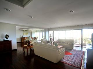 Luxury 4 bedroom apartment with amazing seaview, Hua Hin