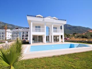 Spacious 4 Bedroom villa located in Hisaronu