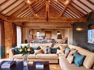 NEW -Fairoaks barns,Four Luxury barns near Ledbury