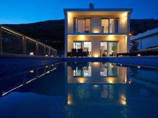 luxury villa Maranata 5* private pool  sea view