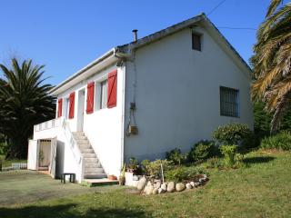 Cozy House near the beach, Buño