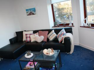 Beach Point, panoramic sea views, 2 bedroom seaside apartment,  North Berwick