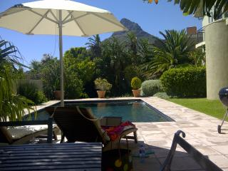 Sunbird Villa - Gracious Camps Bay Family home
