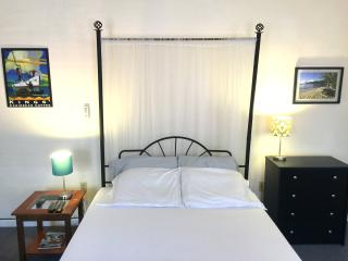 Historic District  Studio A w/Wi-Fi, Charlotte Amalie