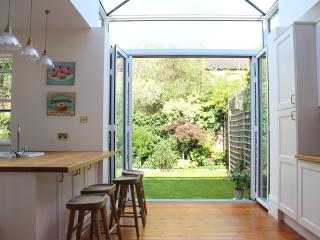 Richmond Family Home - hosted by UnderTheDoormat, London