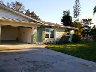 Sunny side of your life, 3 min from gulf beaches!!, Bradenton