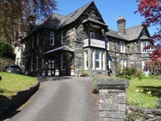 Mary's Court Guest House - Room 2, Betws-y-Coed